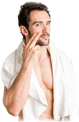 mand grimt hår